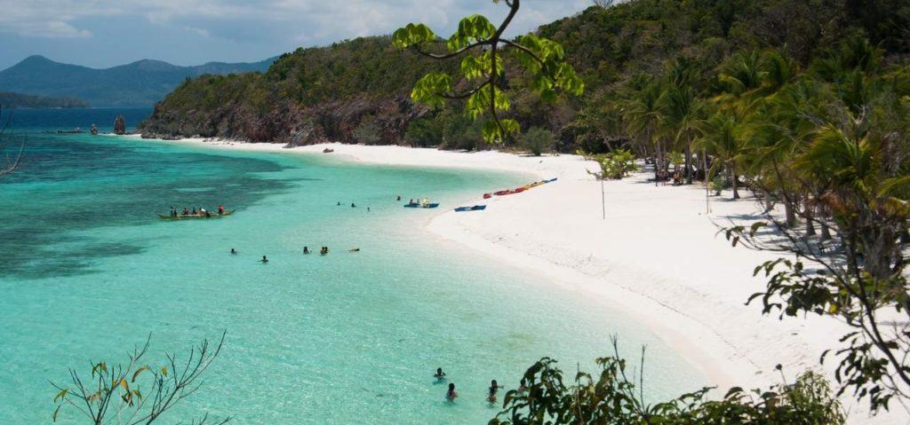Palawan - Coron Tour. Malcapuya Island in Coron