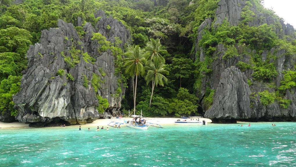 Entulala Island in El Nido, Tour B Palawan
