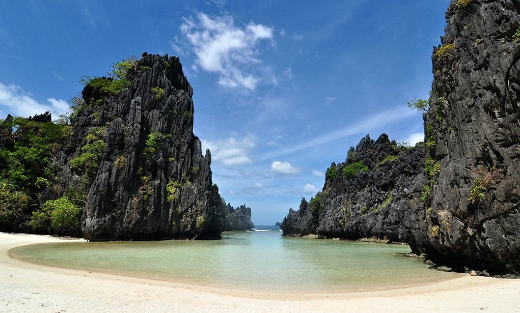 Hidden Beach in Cebu-Palawan